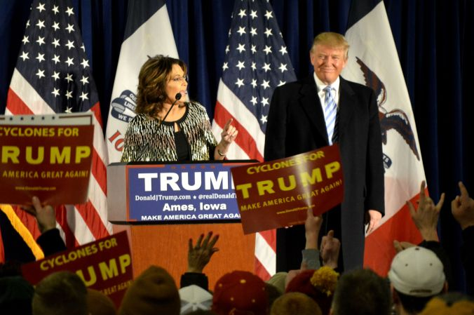 Sarah_Palin_speaks_at_a_rally_after_endorsing_Republican_presidential_candidate_Donald_Trump.jpg